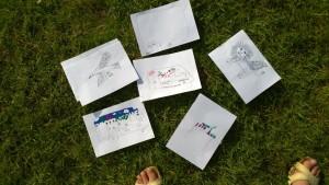 Entwürfe der Kinder für die Außenbeschriftung.